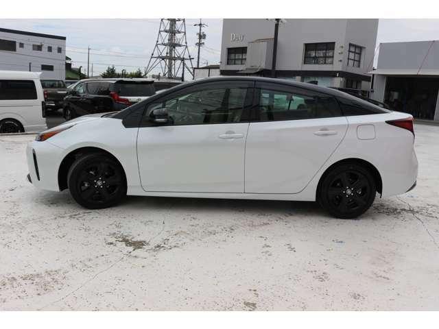 新車のため安心の5年10万キロのメーカー保証付☆全国どこのディーラーでも対応可能です☆