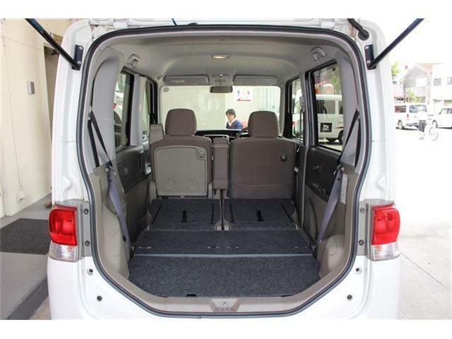 後部座席もスマートに収納できるので大きな荷物もしっかり積み込めます☆