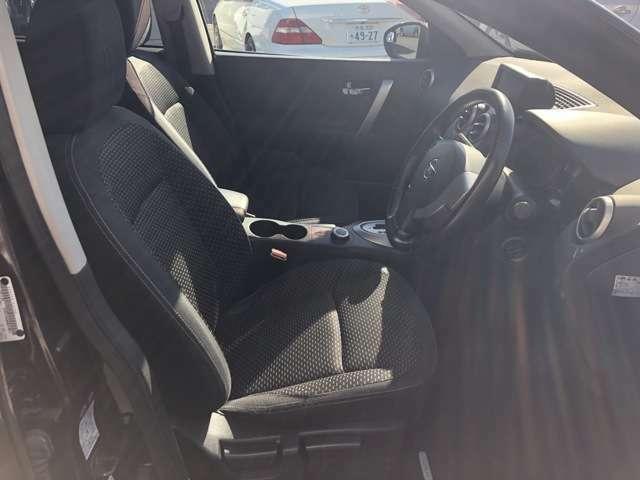 運転席側からの写真になります♪