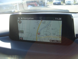 マツダコネクトナビです!手元を見ずに操作できるコントローラーやハンズフリーにより運転に集中して走りをお楽しみ頂けます!Bluetooth/AUXにも対応しています!