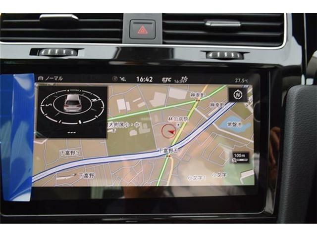 純正ナビDiscover Pro。9.2インチ全面タッチパネル。ジェスチャーコントロール搭載。フルセグTV、CD/DVD、iPod/iPhone/音楽再生、Bluetoothオーディオ/ハンズフリーフォン対応。