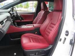 Fスポーツ専用の赤いレザーシートです。勿論快適装備のエアーシートです。