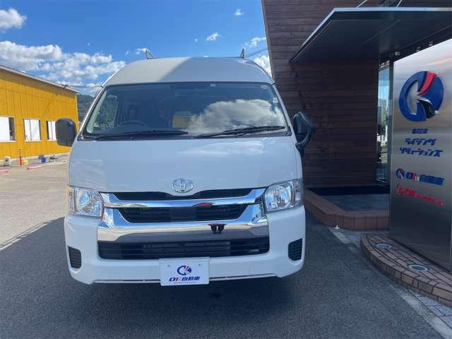 愛媛県伊予市にあるオーケイ自動車です。全国納車承ります!低走行・外装も内装も綺麗なハイエースです。