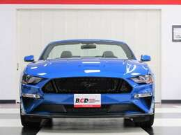 BCD車両は、輸入時にアメリカでの走行距離及び、アクシデント履歴を管理する『AutoCheck』に各車両を照会。日本に到着後、非営利法人・日本自動車鑑定協会『JAAA』での修復歴等の鑑定を行います。