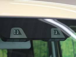 【デュアルカメラブレーキサポート】ステレオカメラ式衝突被害軽減ブレーキ、誤発進抑制、車線はみだし警報、ふらつき警報、先行車発進警報がセットになって、日常のドライブも安心です♪