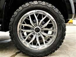 新品NITROPOWER20インチアルミホイール&新品BFG AT 275/55R20インチタイヤ装着です♪