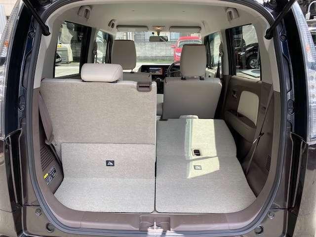 5対5リヤシート分離タイプで大きな荷物も載せれます