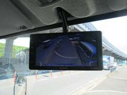 バックカメラも付いています。パネルバンはこれがあれば安全です。