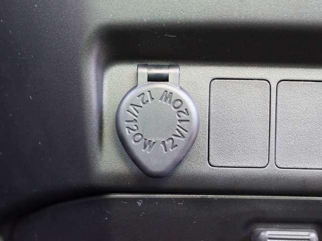 【 アクセサリーソケット 】車内でスマートフォンの充電器などが使用可能です!