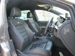 (運転席助手席)運転席助手席はシートヒーター付きのレザーシートを装備しております。また運転席は電動パワーシートがついております。