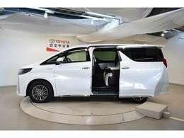 万が一の場合でも、全国のトヨタテクノショップで保証修理が受けられる、オールトヨタの中古車ネットワーク保証です。