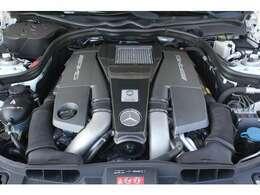 ■525馬力から557馬力へパワーUP(カタログ値)■V型8気筒DOHCツインターボ■排気量5461cc■エンジンルームも綺麗に磨かれており、エンジン下のオイル漏れも御座いません。■
