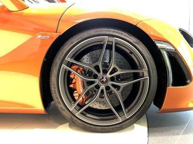 車検は2020年12月までとなりますが、メーカー保証は1年付属いたします。