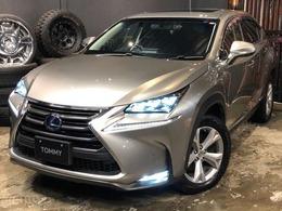 レクサス NX 300h バージョンL 4WD 黒レザーシート/サンルーフ/純正ナビ/TV