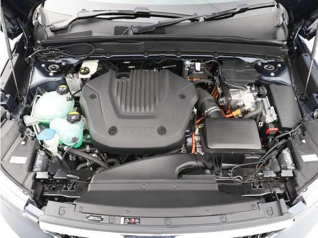 高い環境性能と静粛性の高い上質なドライビングプレジャーを実現する、プラグインハイブリッド。