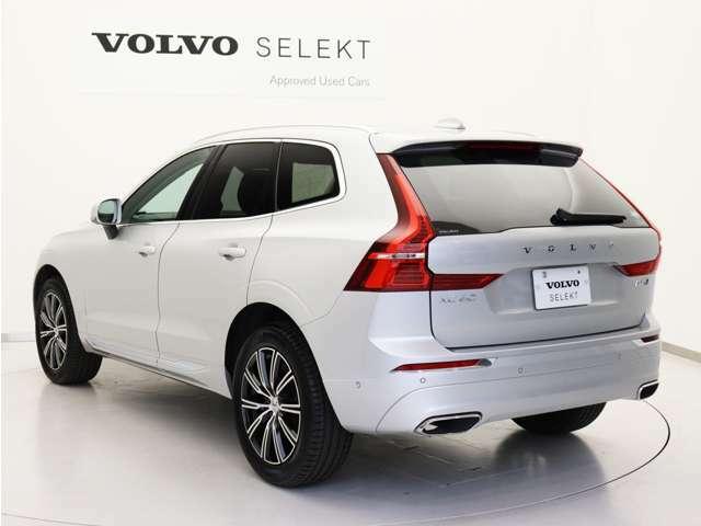 エクステリアには、XC60のラグジュアリーな外観と雰囲気を高めるデザイン要素がちりばめられています。