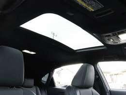 【 MOP ムーンルーフ 】開放感溢れる空間でドライブを楽しみませんか?