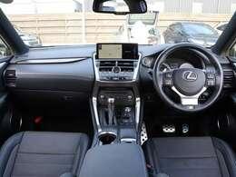 【 前席全体 】上質な空間と快適装備でドライビングを楽しくしてくれます!