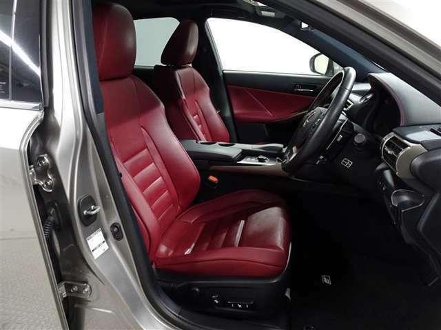 レクサス横浜戸塚と併設しておりますので、新車・CPO・レクサスU-Carと、多くのお車をご覧いただけます!