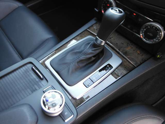 「AMGスピードシフトプラス 7G-TRONIC」を搭載!