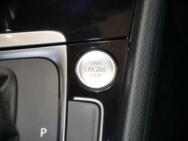 スマートエントリースタートシステム「KeylessAccess」を装備。キーはカバンやポケットに入れたままで、開錠施錠、エンジン始動まで行うことが出来ます。