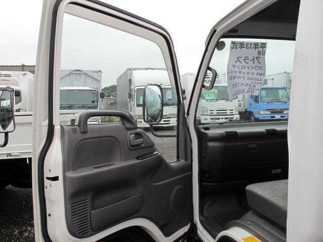 カーセンサーに掲載していない特殊車両なども豊富に在庫しております!在庫にない場合もまずはお気軽にご相談ください!011-380-5000までお電話ください!