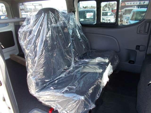 後部座席もしっかりとクリーニングを施していますので、キレイな状態を保っています!