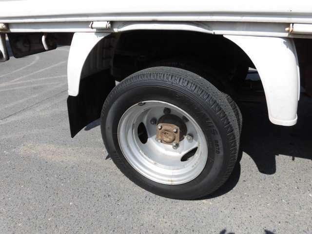 スタッドレスタイヤや夏タイヤ、アルミホイールのご購入に関しましても是非当店へご相談ください!格安にてご提供させて頂いております!