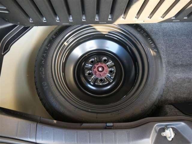 【スペアタイヤ】応急用タイヤを装着しております。最近は標準装備ではなく、オプション装着の場合も御座います。ご注意ください。