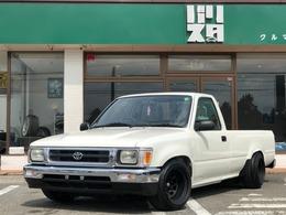 トヨタ ハイラックス 2.0 DX ロングボディ