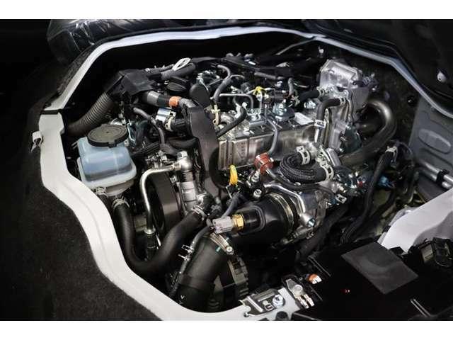 コモンレール式燃料噴射システムや空冷式インタークーラー付ターボチャージャーなどの採用で、排気量は抑えながら力強い動力性能を実現。燃費も向上されたディーゼルエンジンです。