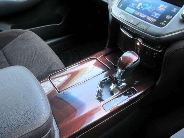 内装が凄く綺麗なお車です!当店では内装クリーニングをさせていただいております!一度見に来てください!