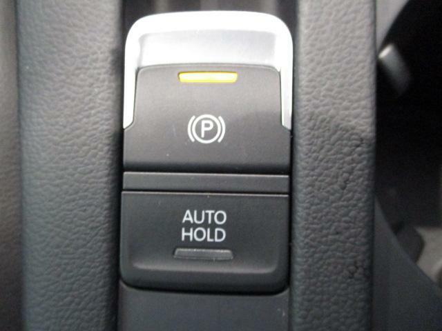 ☆電動パーキングブレーキ搭載!坂道や渋滞時に便利なオートホールド機能も装備していますよ。