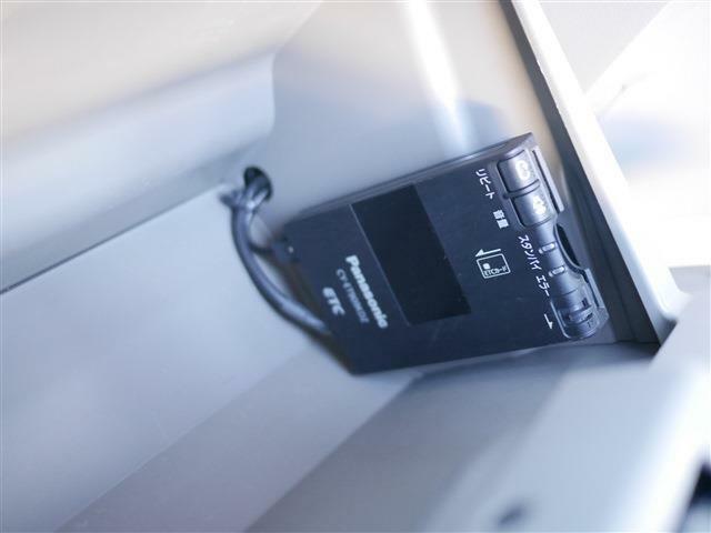 ETCはグローブボックス内に装備されています。外から見えないので防犯上も安全です。