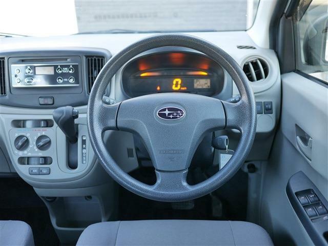 車内はシンプルな構造なので、性別年代を問わずに運転しやすくなっています。