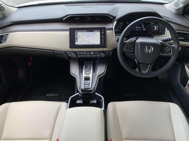 運転席、助手席ともにシートヒーター付きで冬場も快適にお乗り頂けます♪