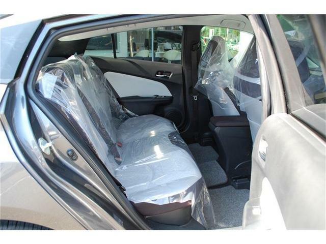 人気車プリウスまたまた入荷しました・LEDヘッドライト&フォグライト・プッシュスタート・スマートキー・詳細はHP(http://auto-panther.com)をご覧下さい!