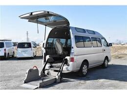 日産 キャラバン 3.0 チェアキャブ M仕様 ディーゼルターボ 4WD ディーゼル 車椅子2基積