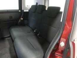 しっかりとし厚みのあるシートで振動や騒音を低減、長時間のドライブでも疲れません!