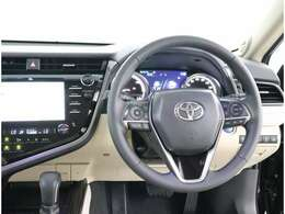 統一感あるインテリア☆広さと囲まれ感の調和した車内空間となっております♪