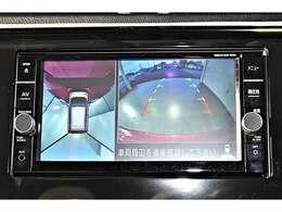 マルチアラウンドモニター(全周囲カメラ)装備☆真上から見下ろしているような映像で駐車をサポートします♪