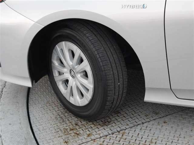 タイヤサイズは195/654R15!残り溝は4ミリ程度です!交換希望の場合は実費となります!