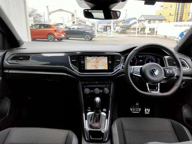同じクラスの国産車にはない内装の質感の高さはフォルクスワーゲンの大きな魅力です。高級感のある内装でドライブがより一層楽しくなりそうです。