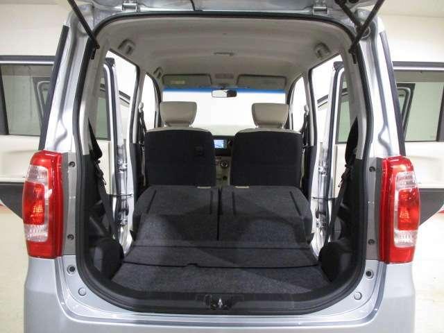 リヤシ-トをスライド・格納すれば更に荷室が広がります!!