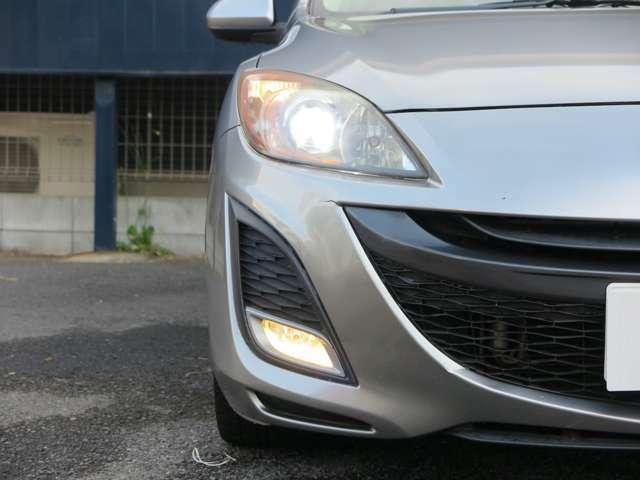 【HIDヘッドライト&フォグライト】ハロゲンライトより明るく、視認性の良いHIDを搭載