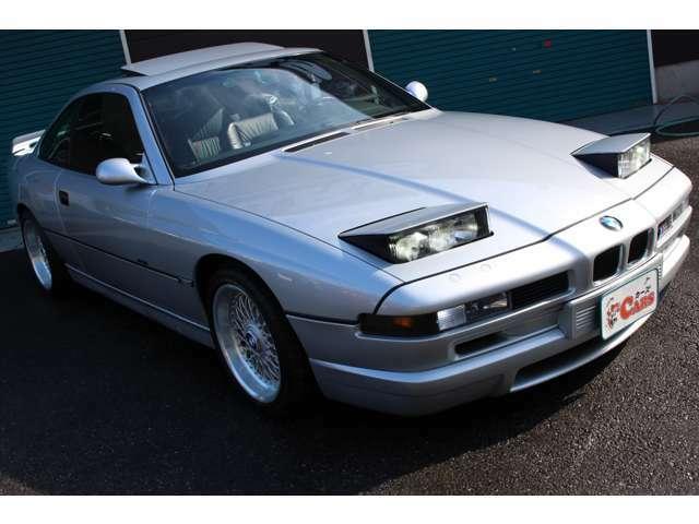 現在BMWシリーズのなかで、唯一のスポーツGTモデルとなるのが8シリーズ。最終モデルは「840Ciリミテッド」の1機種