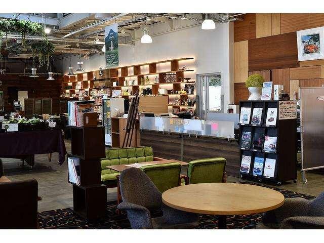 ユニオンカーズはカフェが併設されているクルマ屋さんです。おクルマのメンテナンスの待ち時間もゆったりと過ごせます。