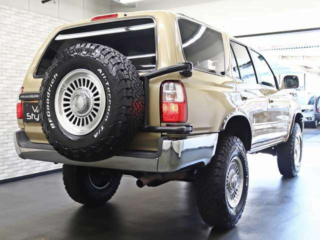フルノーマル車両を新品パーツを使用し、弊社で制作した一台です。是非一度お客様ご自身の目でご覧になってください。