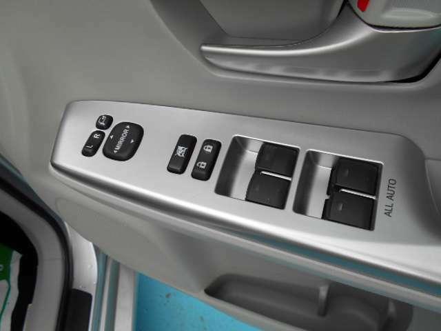 電動格納式ドアミラー 全席オート機能付きパワーウィンドウ