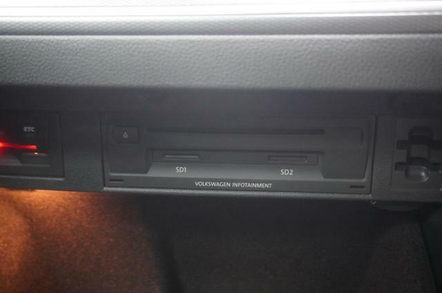 ETC車載器はダッシュボードの中に搭載されてますので、見栄えも良く盗難対策にもなります。